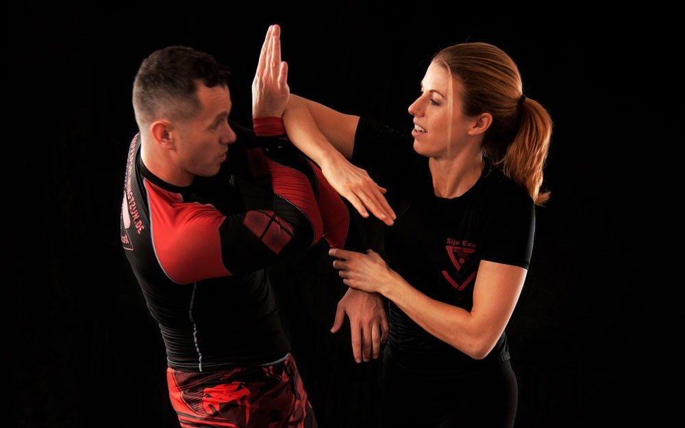 12 basic self defence tips everyone should know about