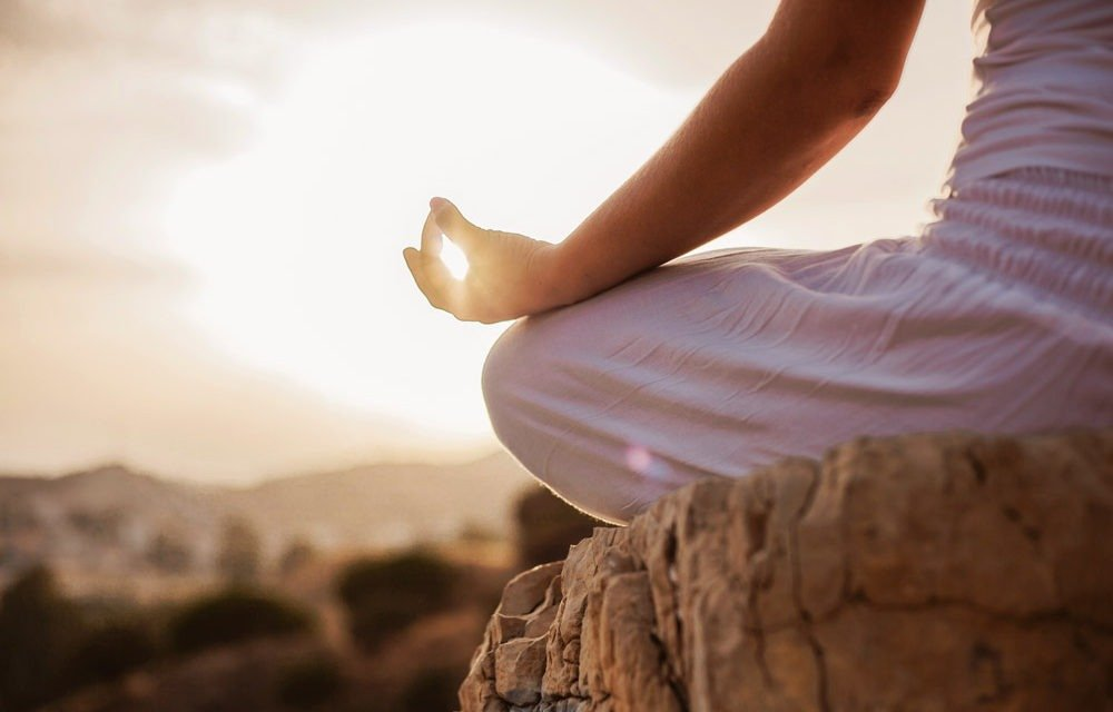 What is mindfulness meditation + 15 daily mindfulness activities: